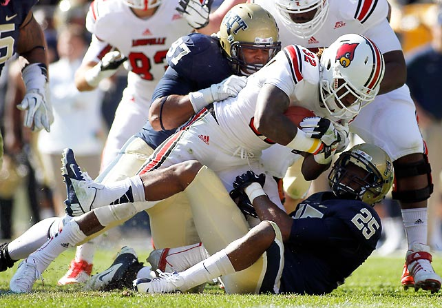 Louisville continued its best start since 2006, beating Pitt to improve to 6-0 overall and 1-0 in the Big East. Senorise Perry (pictured) rushed for 101 yards and a career-high four touchdowns, while Teddy Bridgewater passed for 304 yards and one score.