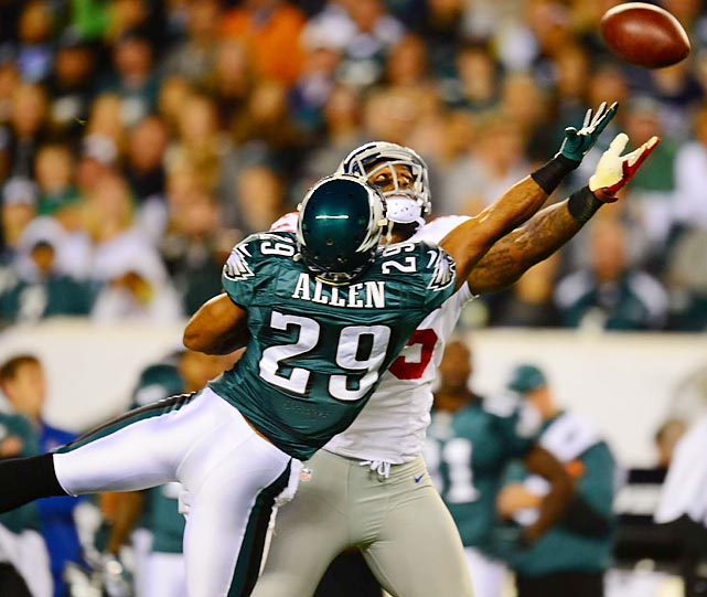 The Eagles' Nate Allen breaks up pass intended for the Giants' Martellus Bennett.