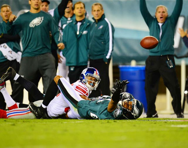 The Eagles' Nate Allen breaks up another pass, this time intended for Giants wide receiver Domenik Hixon.
