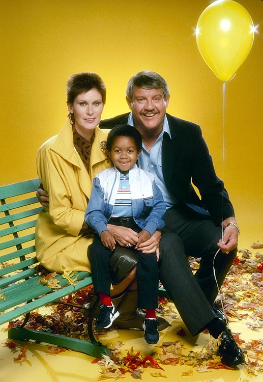 Alex Karras and his wife, actress Susan Clark, pose with Emmanuel Lewis during a promotional shoot for Webster on Sept. 10, 1985 in Los Angeles.