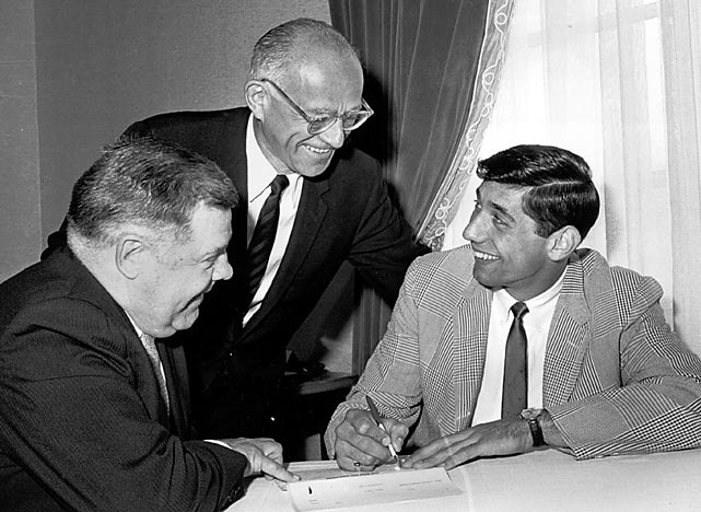 Jets owner Sonny Werblin signs Alabama All-America quarterback Joe Namath to an unprecedented $427,000, three-year contract. The deal helps bring credibility to the fledgling American Football League and starts to make the Jets and their charismatic rookie QB major players with the New York media.