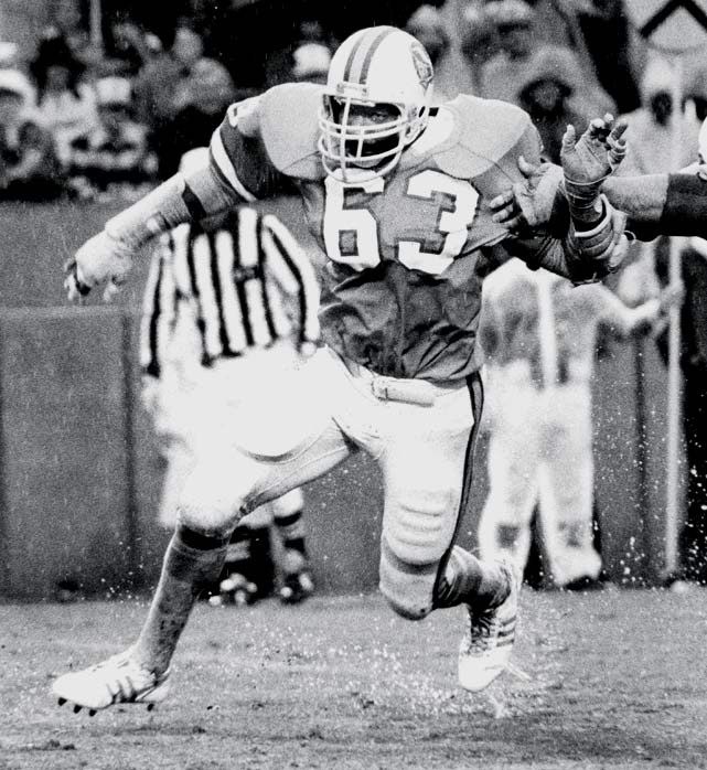 With a torrential downpour in Tampa making scoring difficult, Neil O'Donoghue kicks a 19-yard field goal for the only points in a 3-0 victory over Kansas City that earns the Bucs their first NFC Central title and first trip to the playoffs.  Lee Roy Selmon (pictured) was voted AP Defensive Player of the Year.