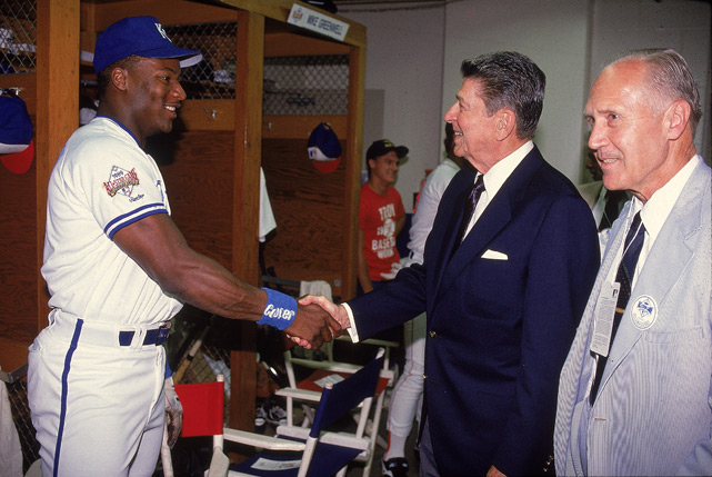 Jackson shakes hands with former U.S. President Ronald Reagan after Jackson won the 1989 All-Star Game MVP award.