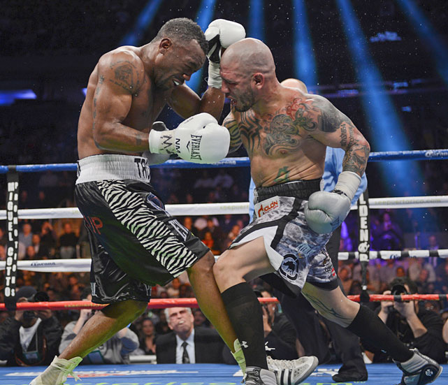 Miguel Cotto suffered his first defeat in eight bouts at Madison Square Garden on Dec. 1, a unanimous-decision loss to Austin Trout. Cotto has sold more than 100,000 tickets for his fights at the historic Manhattan venue, making the arena a sort of home away from home. Here's a look back at Cotto's previous outings at the Garden.