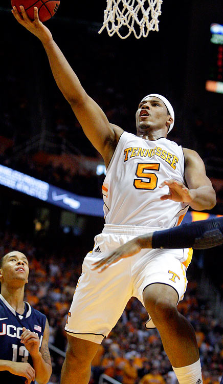 Stokes enrolled at Tennessee in the middle of last season, helping lead the Vols to a second place finish in the SEC standings while he should have been finishing up his senior year in high school. He averaged 9.6 points and 7.4 boards despite that. With a full offseason worth of development under his belt, expect Stokes to play a big role for an underrated Tennessee group.