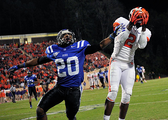 Clemson's offense continues to overwhelm the competition. One week after dominating Wake Forest, the Tigers scored 42 first-half points at Duke en route to an ACC victory. Quarterback Tajh Boyd threw for 344 yards and five touchdowns, DeAndre Hopkins collected 128 receiving yards and three scores and Sammy Watkins (pictured) added 97 yards and a touchdown. Boyd now boasts 25 touchdown passes on the year.