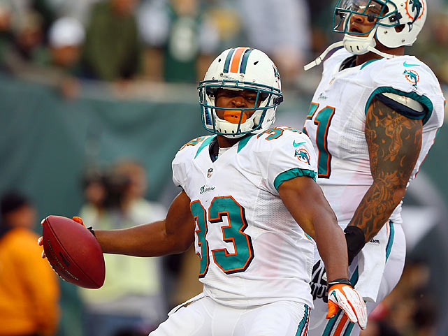 With Ryan Tannehill's availability in question this weekend in Indianapolis, the Dolphins will likely go a little conservative with Matt Moore, whose career TD-to-INT ratio ranks 26th in the league among active players with at least 500 pass attempts. That means a steady diet of Reggie Bush and his understudy, Thomas, who has now reached the end zone in two straight and three of his last four games. Thomas' 3.0-yards-per-carry average isn't anything to get excited about, but the fact that the Colts are allowing more than one rushing touchdown per game this season is.