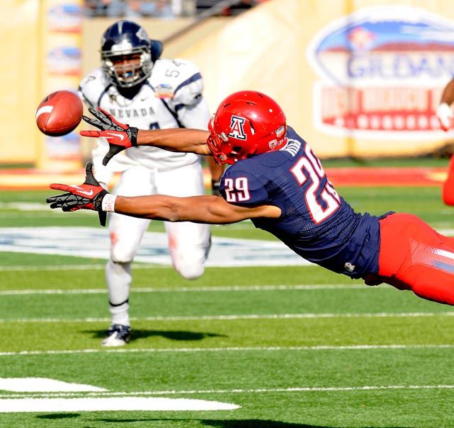 In a back-and-forth New Mexico Bowl shootout -- Arizona and Nevada combined for a whopping 1,237 yards and 70 first downs -- Hill helped fuel the Wildcats' late rally. He hauled in eight passes for 175 yards, including two pivotal fourth-quarter touchdowns.