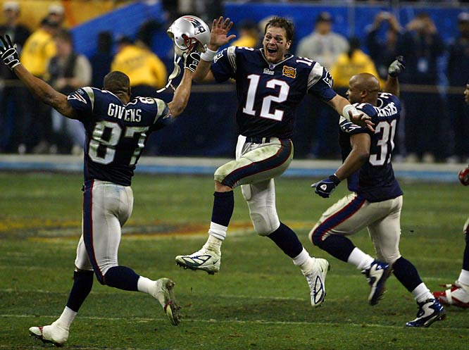 Tom Brady and the Patriots went 16-0 during the '07 regular season and helped New England set the longest winning streak in NFL history -- 21 consecutive games from 2003 to 2004.