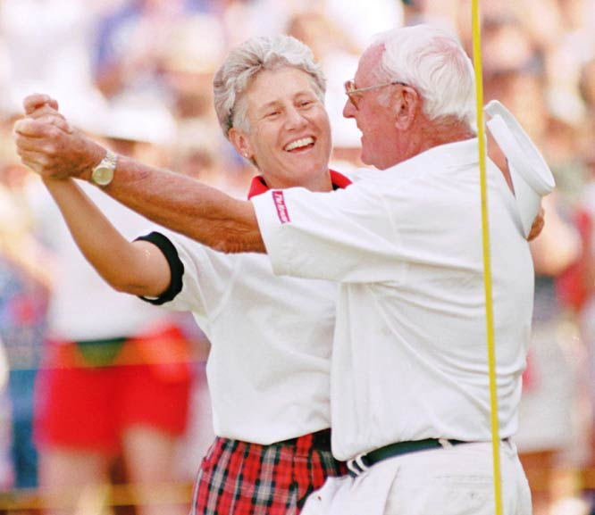 Patty Sheehan -- seen her dancing with her father, Bobo -- wins her second career U.S. Open.