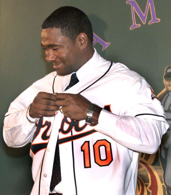 Miguel Tejada agrees to a six-year, $72 million contract with the Orioles, making it the largest deal in the history of the franchise.