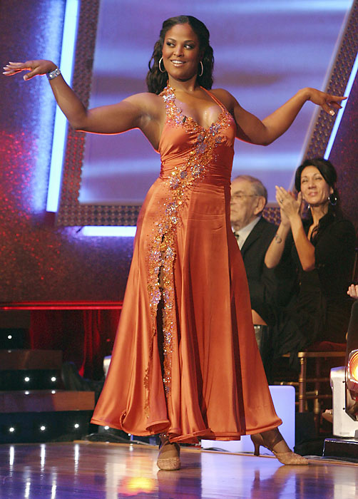 Ali fought through knee pain to reach the semifinal round of Dancing with the Stars in 2007.