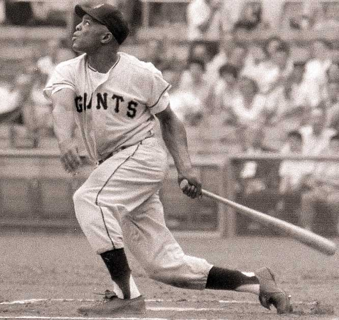 Mays breaks the National League record for home runs when he hit his 512th round-tripper in May 1966.