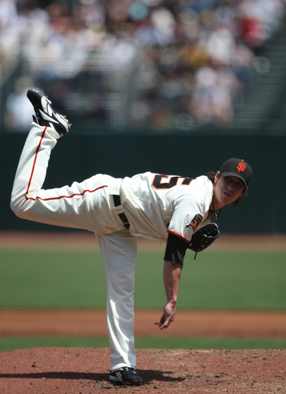 Lincecum led all major league pitchers in strikeouts (256) during the 2008 season.