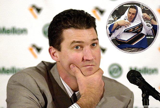 Still struggling financially, the Penguins were forced to trade Jaromir Jagr to Washington. With Mario Lemieux limited to just 24 games due to hip woes -- he still scored 31 points -- the Pens missed the playoffs for the first time since 1990. The fire sale continued in 2002-03 as Alexei Kovalev was dealt to the Rangers.