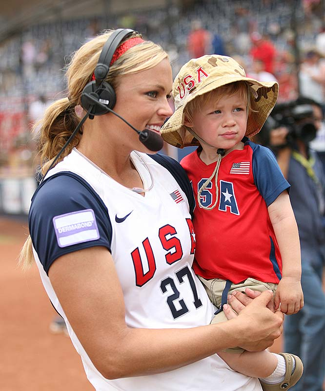 SI cover girl and former U.S. Olympic softball team star Jennie Finch has a son, Ace, who is bound to be quite the baseball star: His father is former MLB pitcher Casey Daigle.