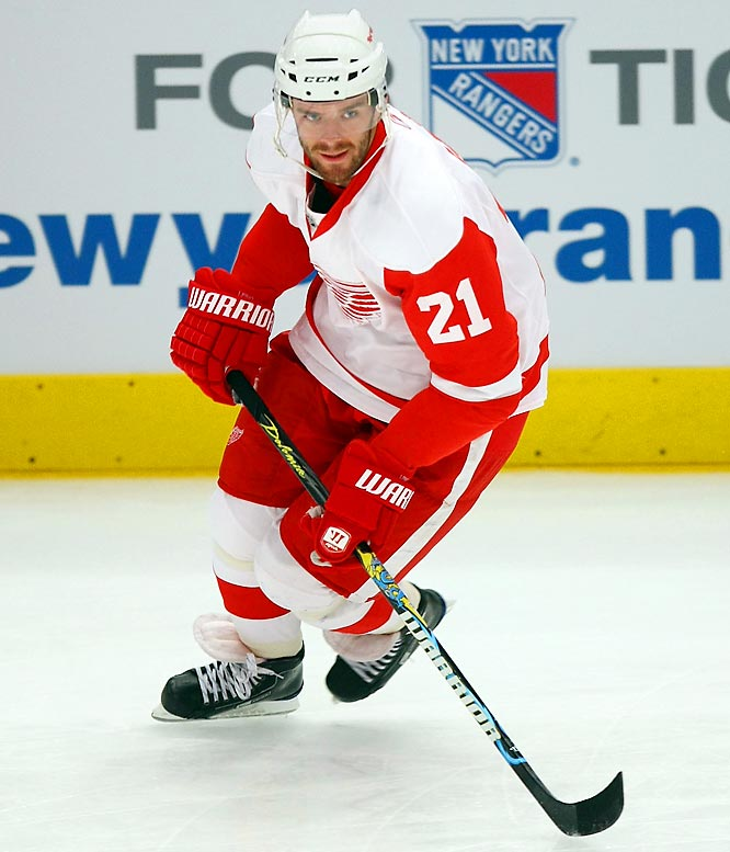 The Red Wings aren't likely to fully recover the 90-plus goals that departed via free agency, but Leino should do his part to soften the blow. The 2008 Player of the Year in Finland excelled in a 13-game tryout last season, scoring five goals and nine points while fitting in flawlessly with Mike Babcock's puck possession scheme. He'll be asked to chip in 20-25 from a third line perch alongside Valtteri Filppula and Jason Williams.