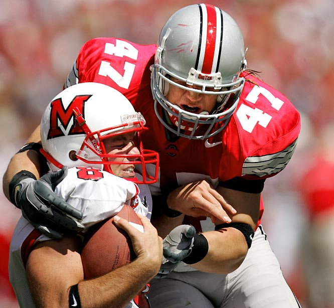The only player to reach the top six in balloting since Woodson's win, Hawk finished sixth in a race won by USC's Reggie Bush. The All-America led the Buckeyes in tackles for three straight years, including 121 as a senior.