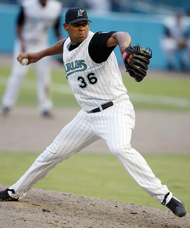 The right-hander defected in Venezuela in 1995 and signed a $1.8 million contract with Arizona. Nunez played nine major league seasons with the Diamondbacks, Marlins, Rockies and Braves.