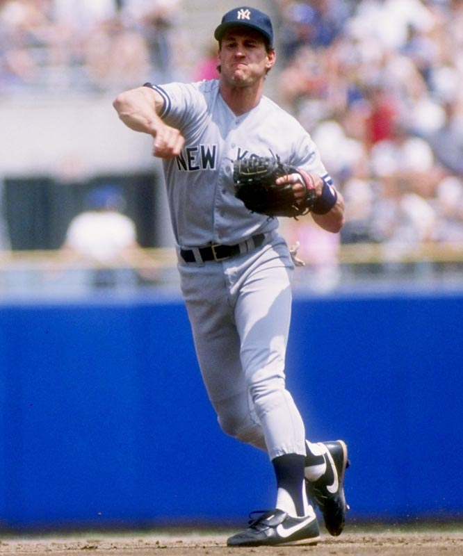 Leaving the World Champion Dodgers, free-agent second baseman Steve Sax signs a three-year deal with the Yankees.