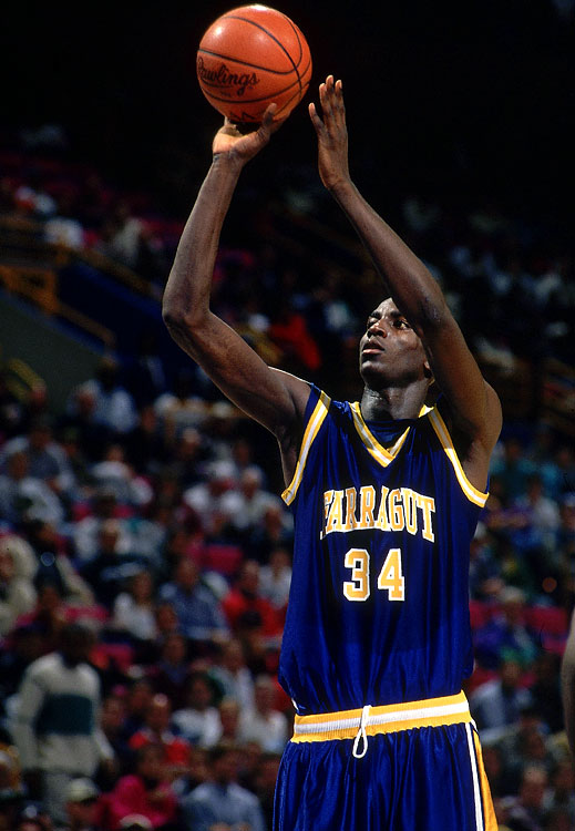 Garnett was named Mr. Basketball for the State of Illinois after averaging 25 points, 18 rebounds, 7 assists and 7 blocks his senior year at Farragut.
