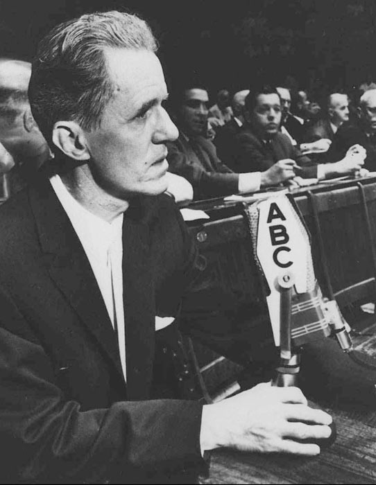 Don Dunphy's broadcast pace was always quick, and his enthusiasm always high. He's best remembered for his boxing play-by-plays, giving blow-by-blow accounts of thousands of fights, starting in the 1940s. Dunphy is a member of both the Radio and Boxing Hall of Fames.