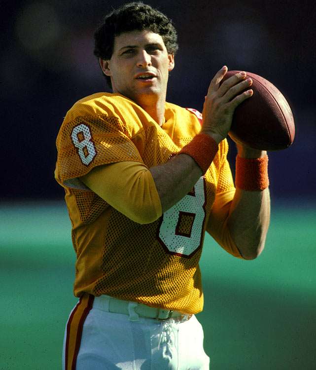 Steve Young had an inauspicious beginning to his Hall of Fame career with the 49ers. He started his career on the abysmal 1985 Tampa Bay Buccaneers, throwing three touchdowns in five games to go along with eight interceptions. The Bucs allowed 154 more points than they scored that season.