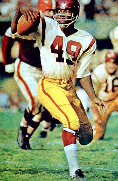 The dynamic Mitchell, a daring halfback and wide receiver, had 14,078 combined yards (and 91 touchdowns) in his 11 seasons with the Browns and Redskins.Runner-up: Dennis SmithWorthy of consideration: Ernie Barnes, Tony Richardson
