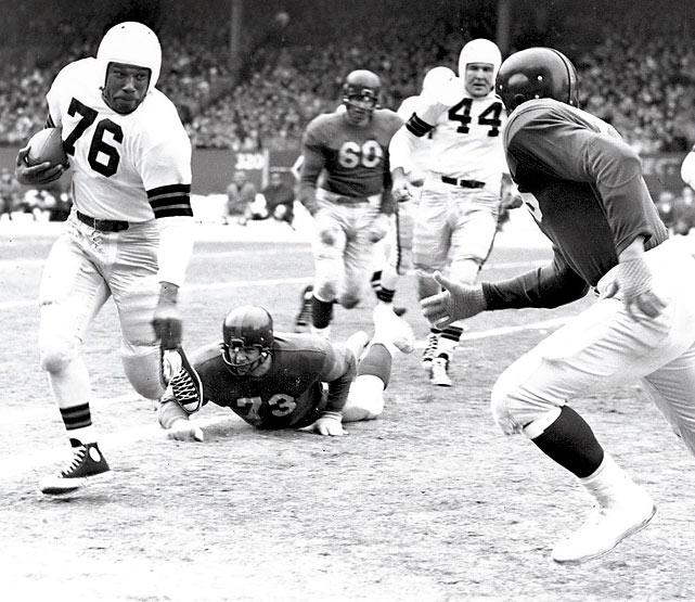 Motley helped break down the color barrier in professional football in 1946, a year before Jackie Robinson made his debut with the Dodgers. Motley was a ferocious pass blocker and had a career average of 5.7 yards per carry.