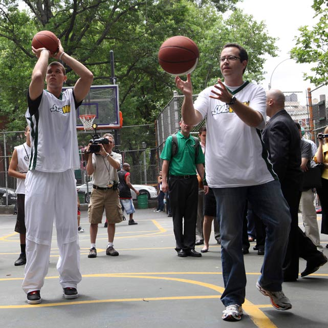 Round of hoops with Subway spokesman, Jared? Sure, why not?