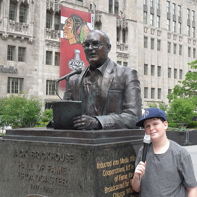 Next on the tour was a statue of Jack Brickhouse. Brickhouse was one of Chicago's most famous broadcasters. During the 1940s, he called White Sox games on WGN until he moved to the station's Channel 9 on TV in 1948. He went on to broadcast games for both the Cubs and the White Sox. It's cool that the statue is near where WGN and the Chicago Tribune (the newspaper) are still located. That's them right there behind the statue.