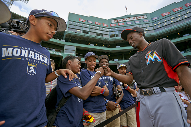 The players met several major leaguers, including Miami's Dee Gordon.