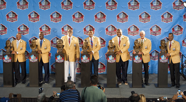 Michael Strahan Leads 2014 Pro Football Hall of Fame Class  288dbe59c