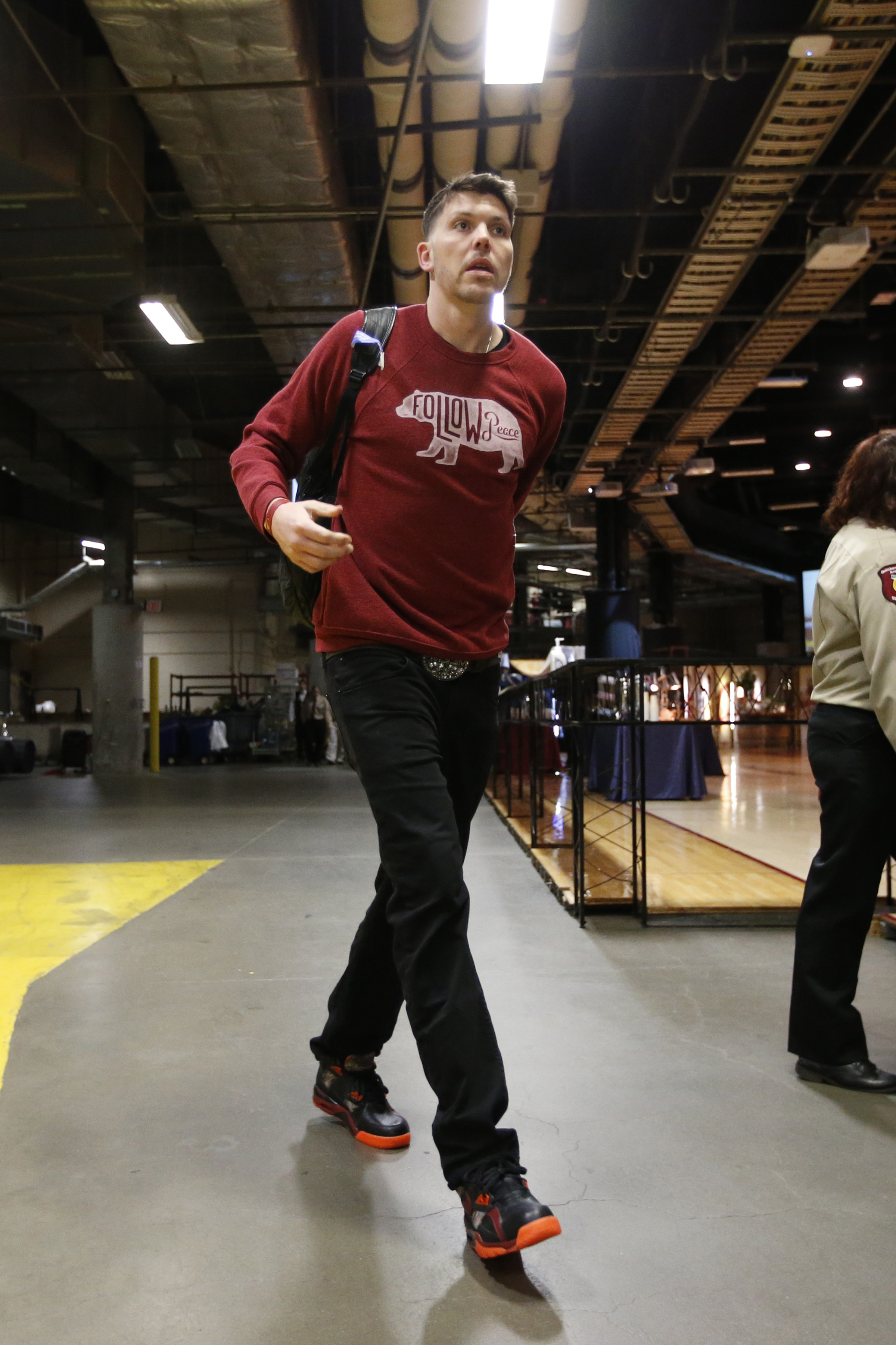 CLEVELAND, OH - MAY 4: Mike Miller #18 of the Cleveland Cavaliers arrives at the arena before a game against the Chicago Bulls in Game One of the Eastern Conference Semifinals of the NBA Playoffs at The Quicken Loans Arena on May 4, 2015 in Cleveland, Ohi