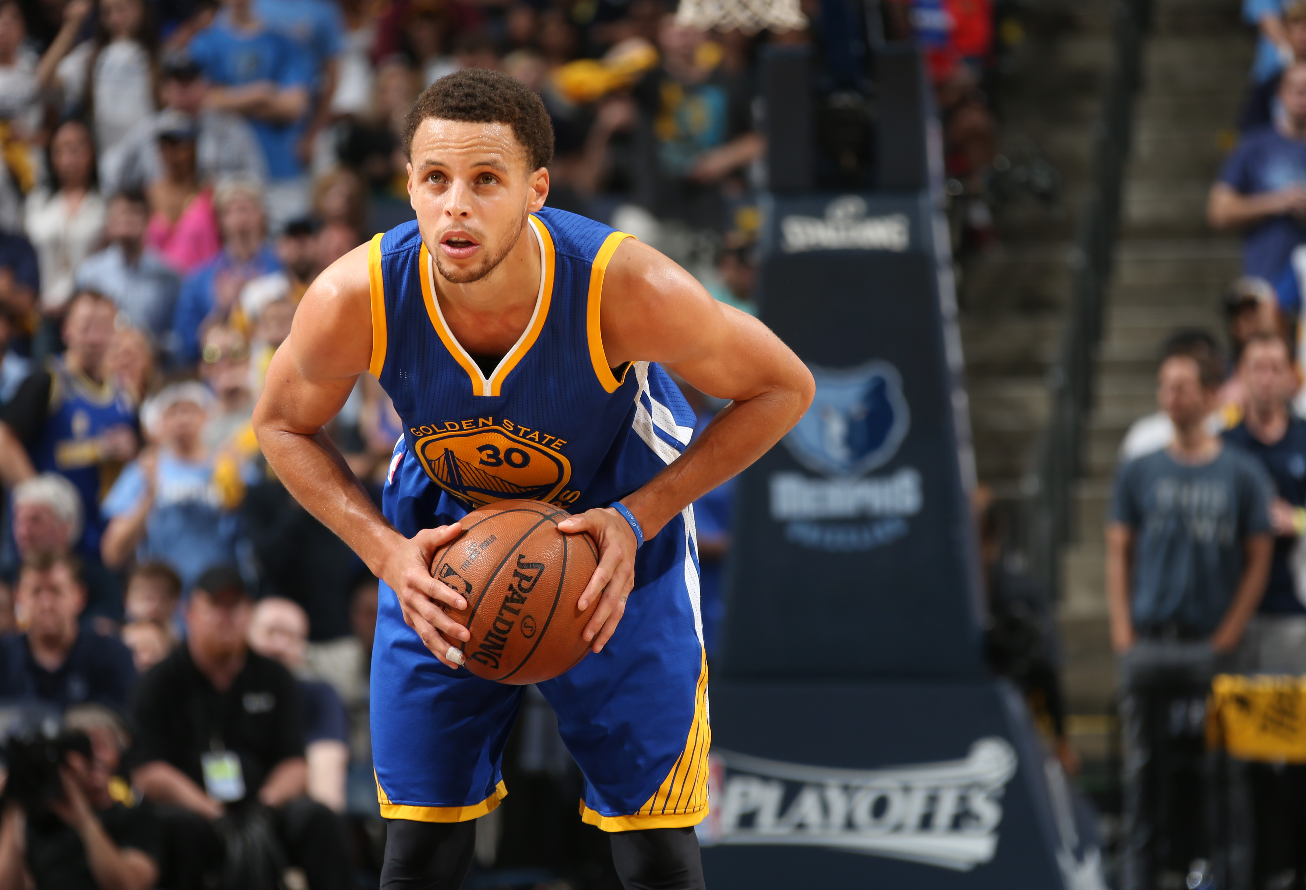 MEMPHIS, TN - MAY 15:  Stephen Curry #30 of the Golden State Warriors with the ball against the Memphis Grizzlies during Game Six of the Western Conference Semifinals of the NBA Playoffs at FedExForum on May 15, 2015 in Memphis, Tennessee. (Photo by Joe M