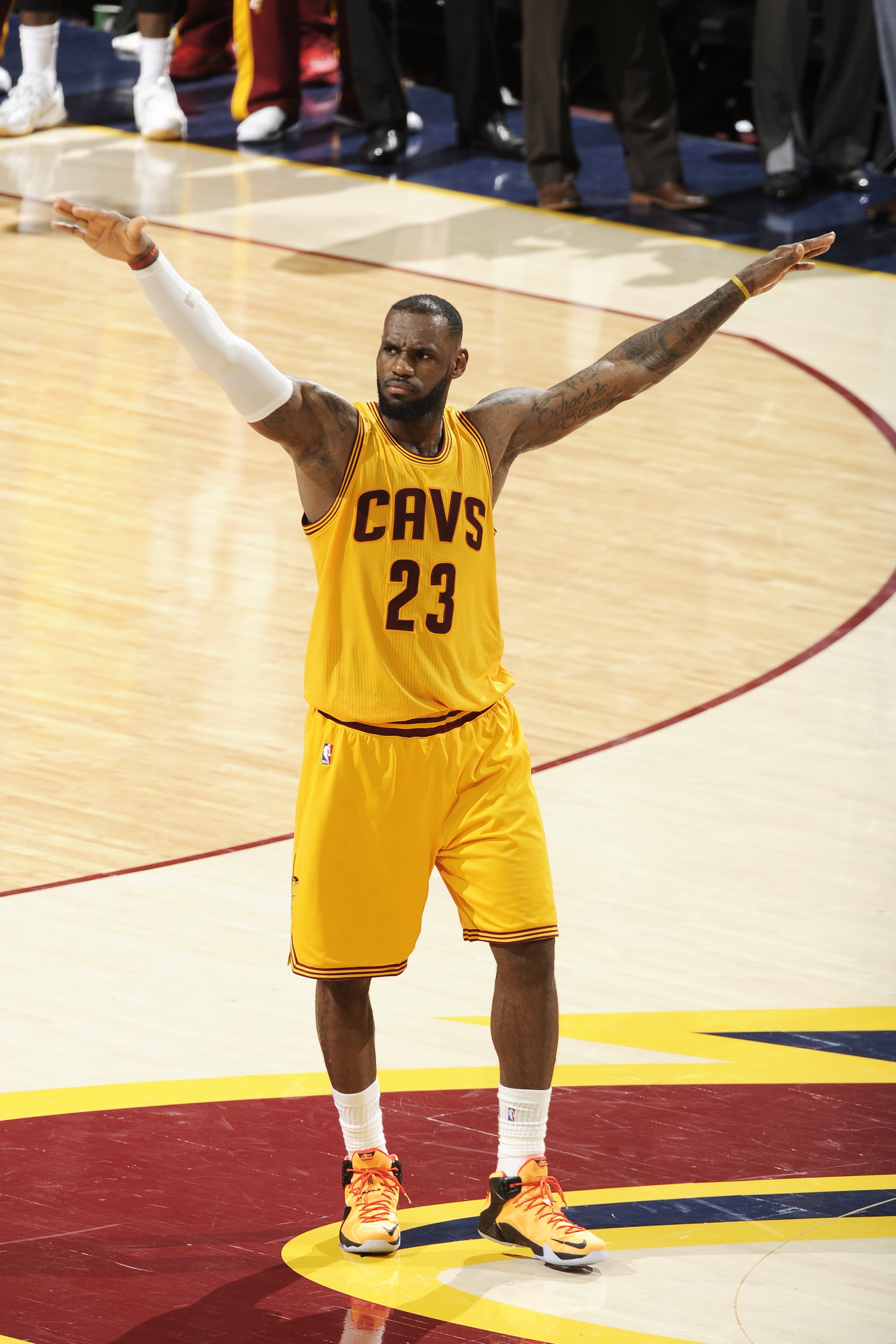 CLEVELAND, OH - JUNE 9:  LeBron James #23 of the Cleveland Cavaliers during the game against the Golden State Warriors in Game Three of the 2015 NBA Finals at The Quicken Loans Arena on June 9, 2015 in Cleveland, Ohio. (Photo by David Kyle/NBAE via Getty