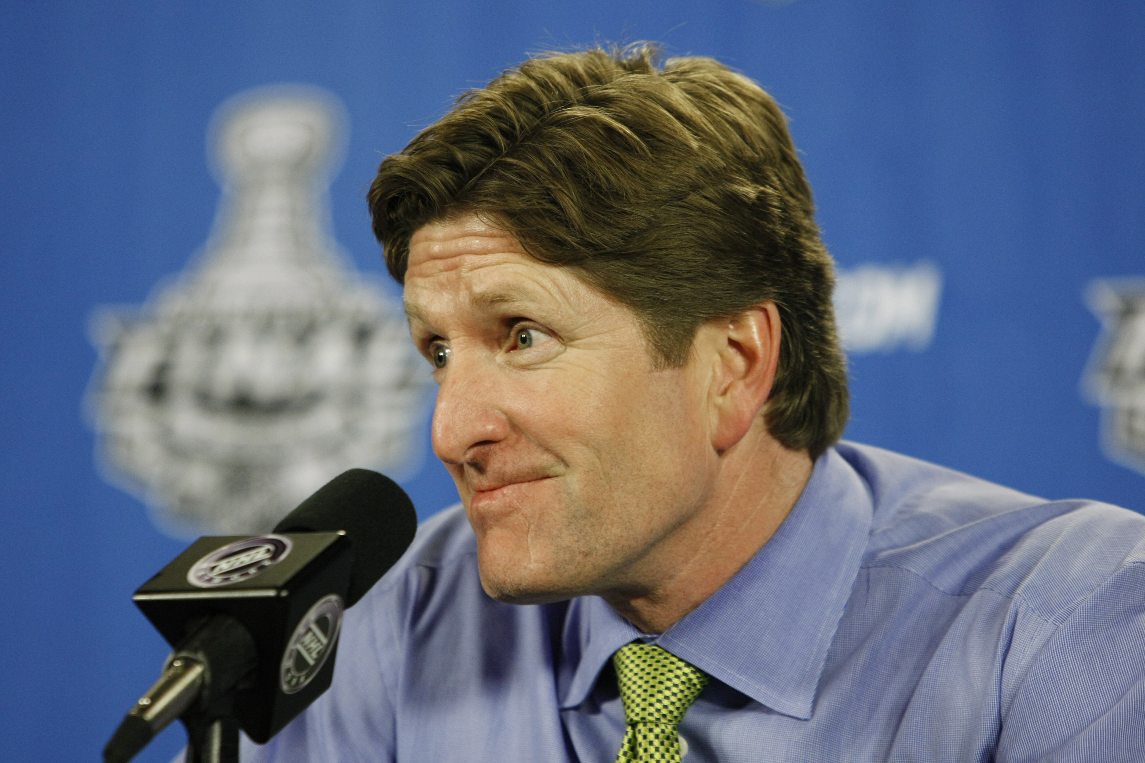 Detroit Red Wings head coach Mike Babcock answers questions during a news conference at the NHL hockey Stanley Cup finals in Pittsburgh, Tuesday, June 2, 2009. (AP Photo/Keith Srakocic)