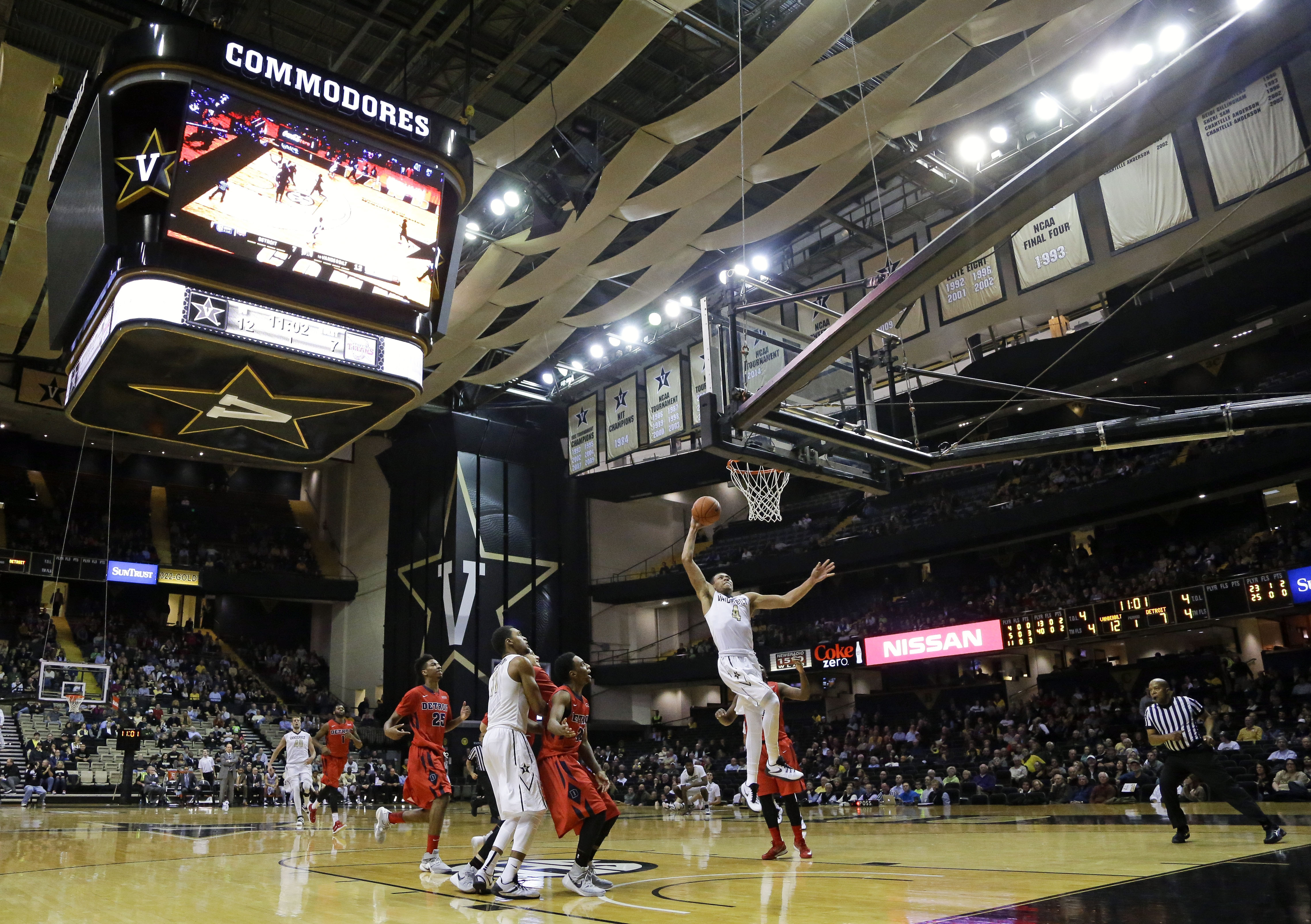 Vanderbilt guard Wade Baldwin IV (4) scores against Detroit in the first half of an NCAA college basketball game Wednesday, Dec. 2, 2015, in Nashville, Tenn. (AP Photo/Mark Humphrey)