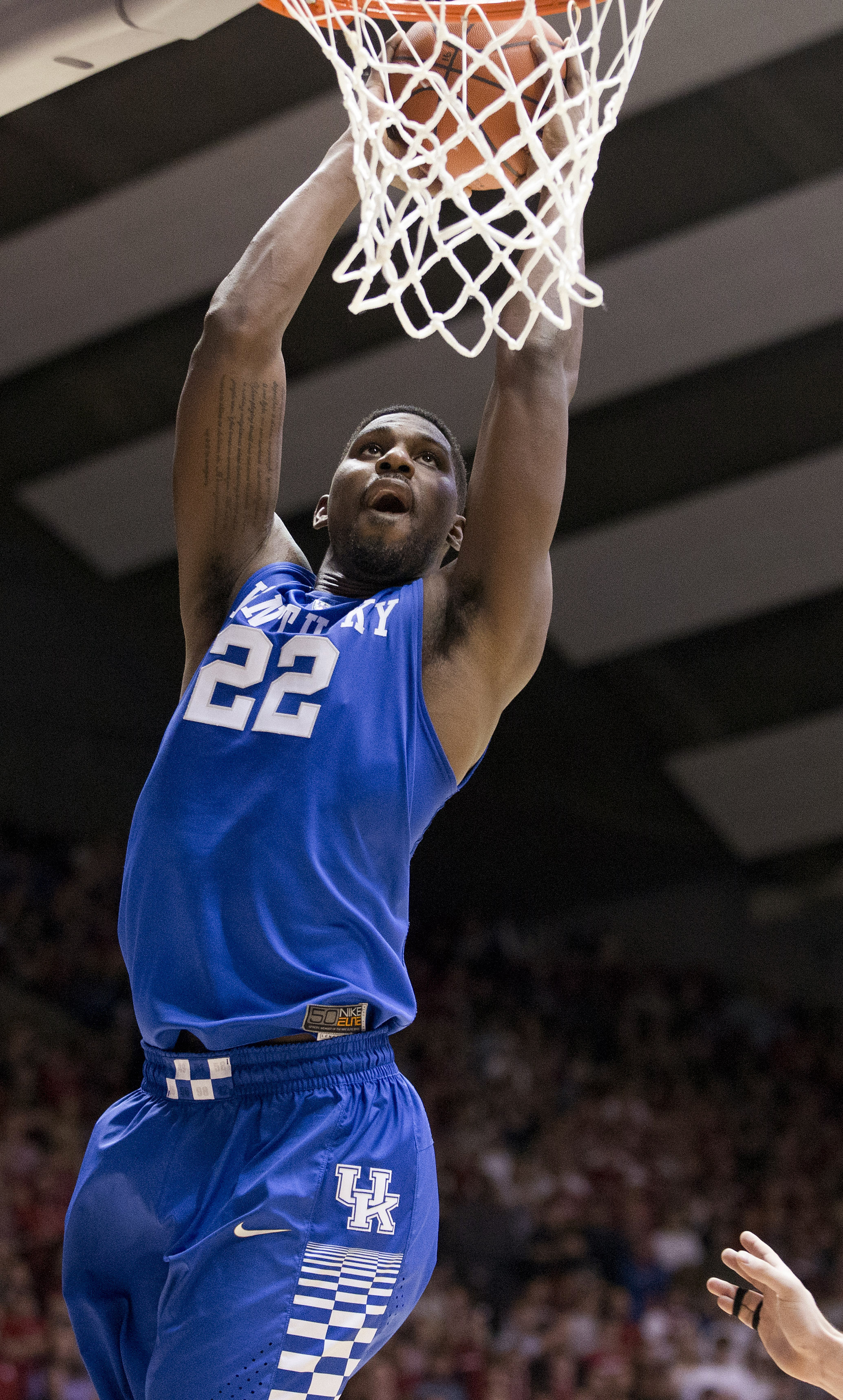 Kentucky forward Alex Poythress scores during the first half of the team's NCAA college basketball game against Alabama, Saturday, Jan. 9, 2016, in Tuscaloosa, Ala. (AP Photo/Brynn Anderson)