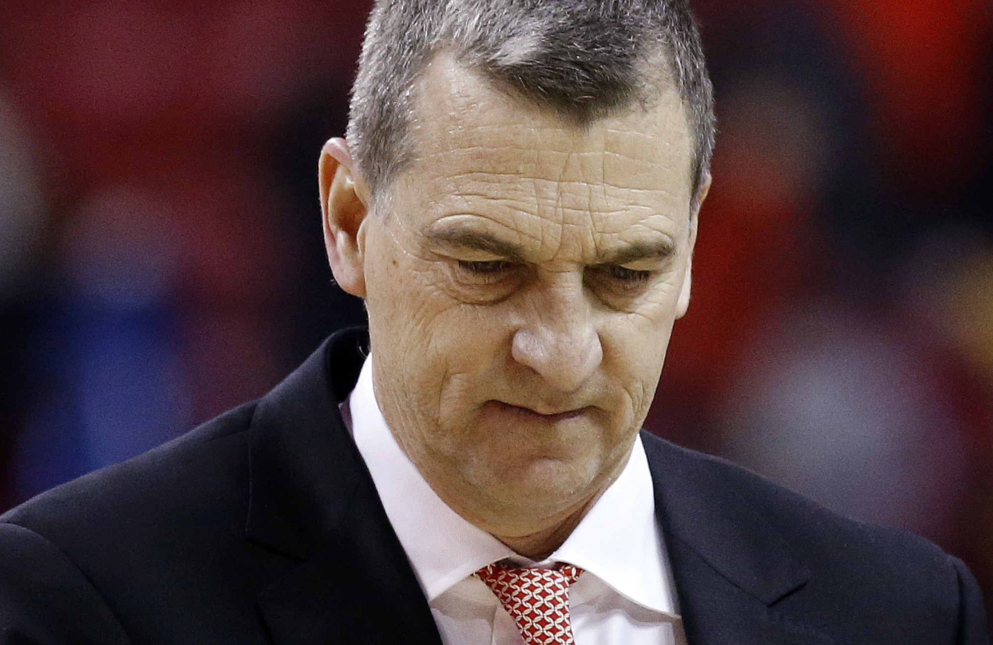 Maryland coach Mark Turgeon walks off the court after the team's NCAA college basketball game against Wisconsin, Saturday, Feb. 13, 2016, in College Park, Md. Wisconsin won 70-57. (AP Photo/Patrick Semansky)