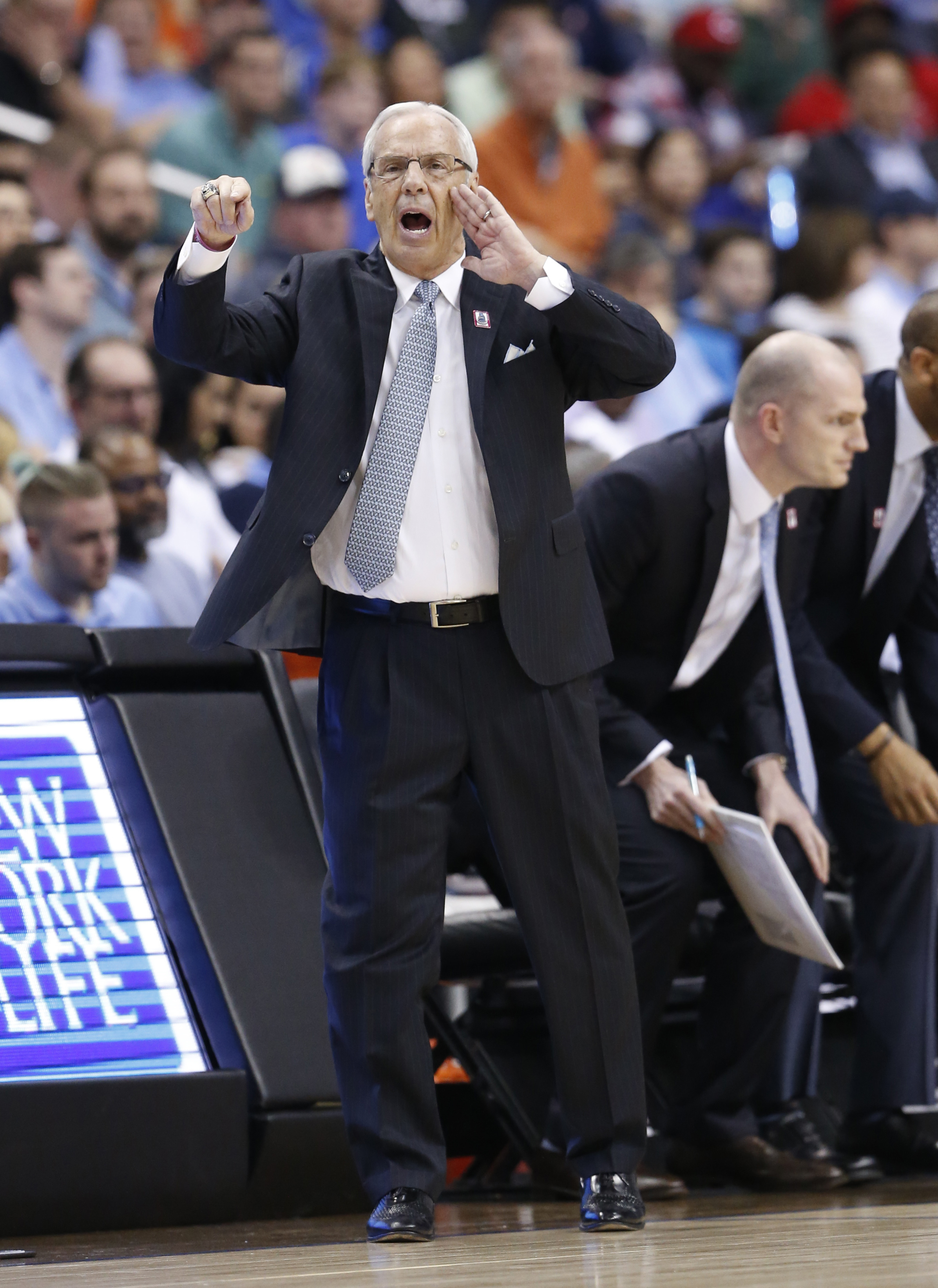 North Carolina coach Roy Williams talks to his team during the second half against Notre Dame in an NCAA college basketball game in the Atlantic Coast Conference men's tournament, Friday, March 11, 2016, in Washington. (AP Photo/Steve Helber)