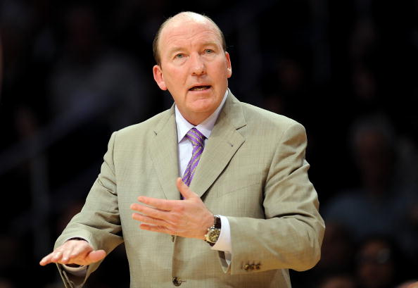 LOS ANGELES, CA - JANUARY 15:  Head coach Mike Dunleavy of the Los Angeles Clippers reacts during the game against the Los Angeles Lakers at Staples Center on January 15, 2010 in Los Angeles, California. (Photo by Lisa Blumenfeld/Getty Images)