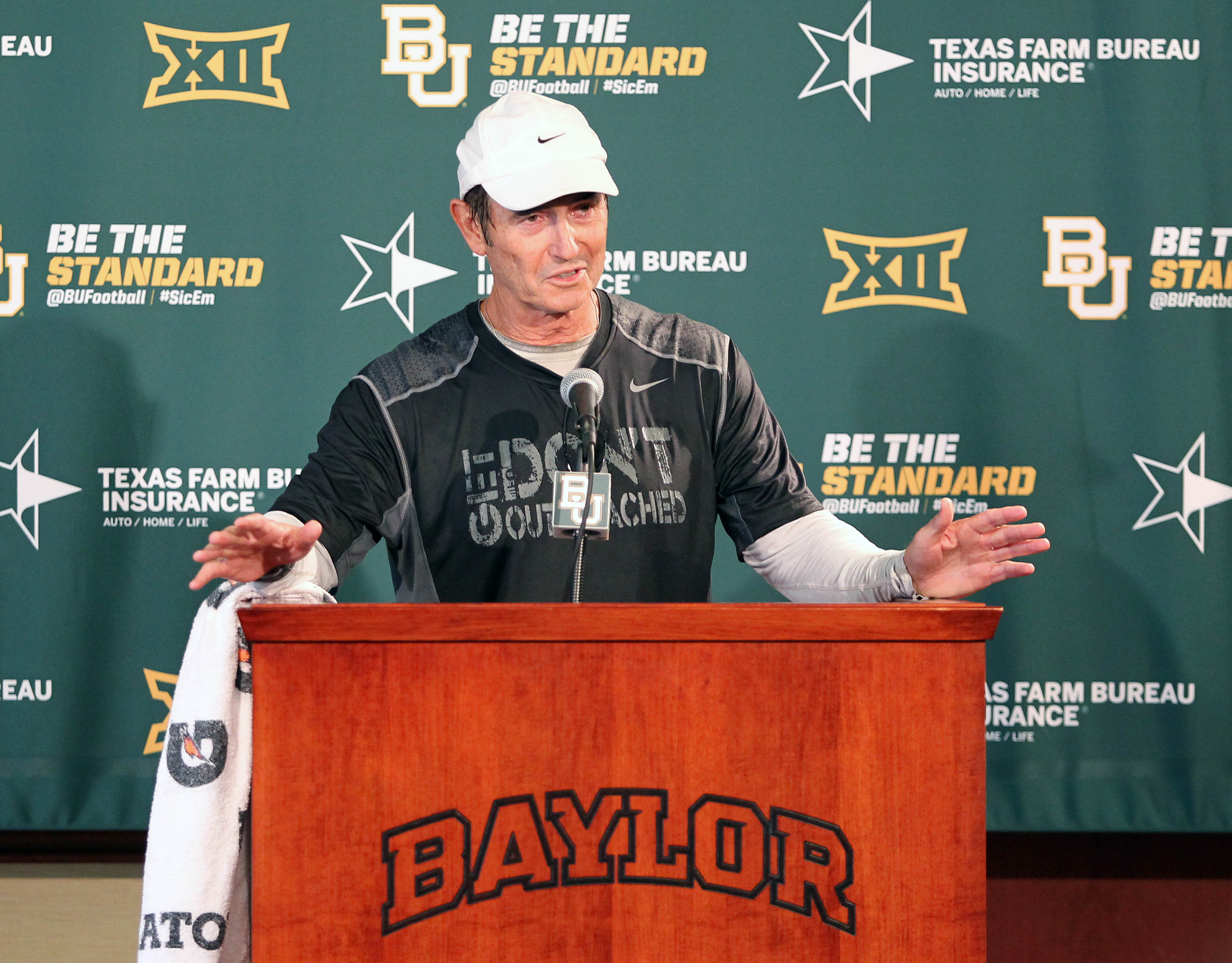 Baylor head football coach Art Briles addresses the media, Monday Aug. 31, 2015, in Waco, Texas. (Jerry Larson/Waco Tribune-Herald via AP) MANDATORY CREDIT
