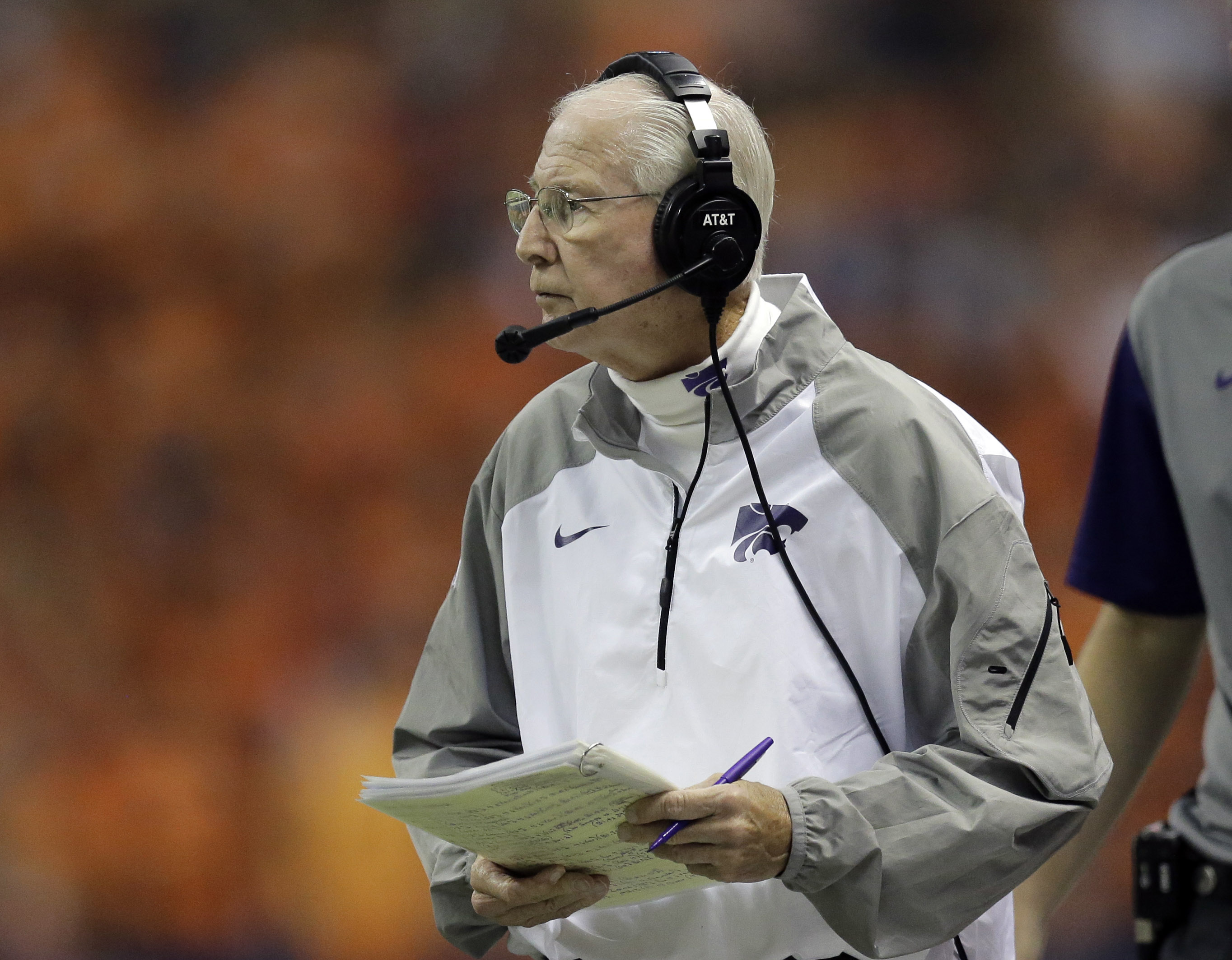 Kansas State Wildcats head coach Bill Snyder watches from the sideline during the first half of an NCAA college football game against UTSA, Saturday, Sept. 12, 2015, in San Antonio. (AP Photo/Eric Gay)