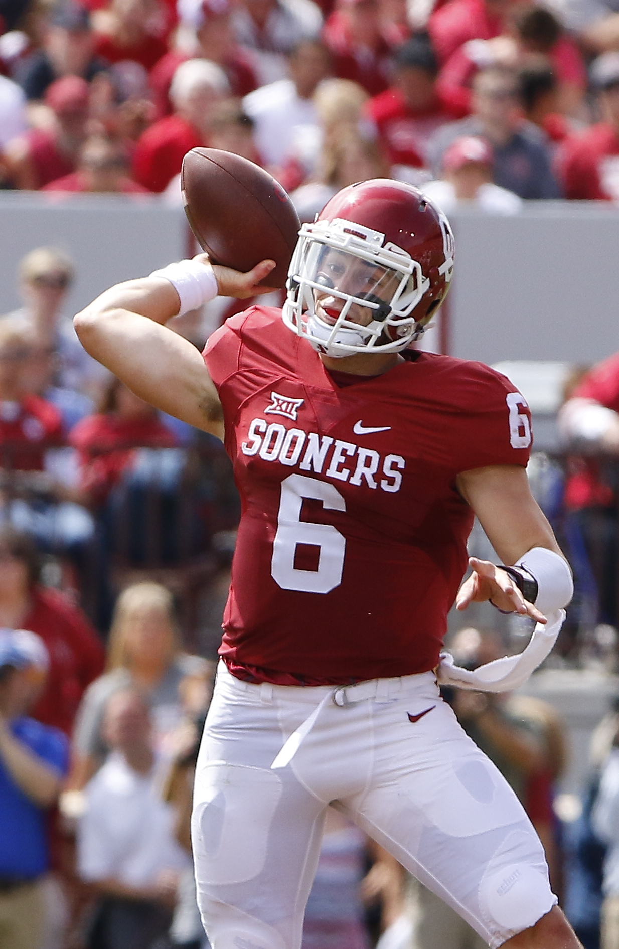 Oklahoma quarterback Baker Mayfield (6) passes against Tulsa during the second quarter of an NCAA college football game in Norman, Okla., Saturday, Sept. 19, 2015. (AP Photo/Alonzo Adams)
