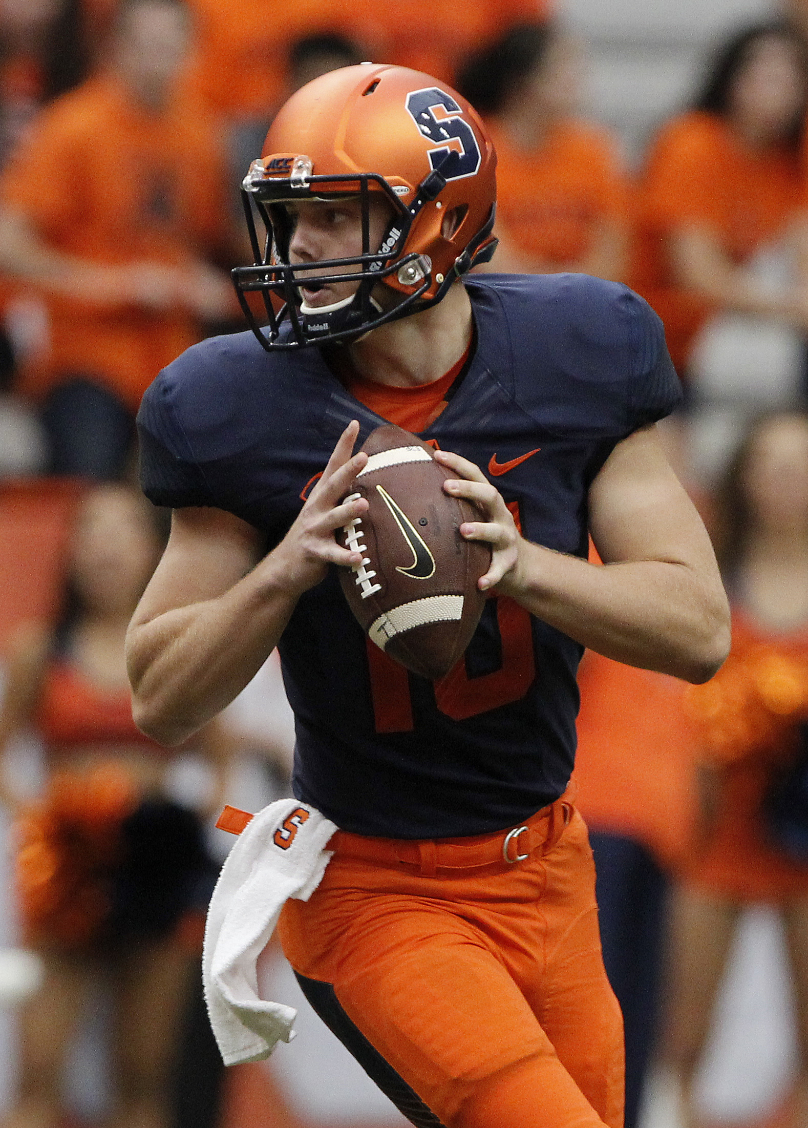 Syracuse's Zack Mahoney looks to pass the ball in the second half of an NCAA college football game against Central Michigan in Syracuse, N.Y., Saturday, Sept. 19, 2015. Syracuse won 30  27. (AP Photo/Nick Lisi)