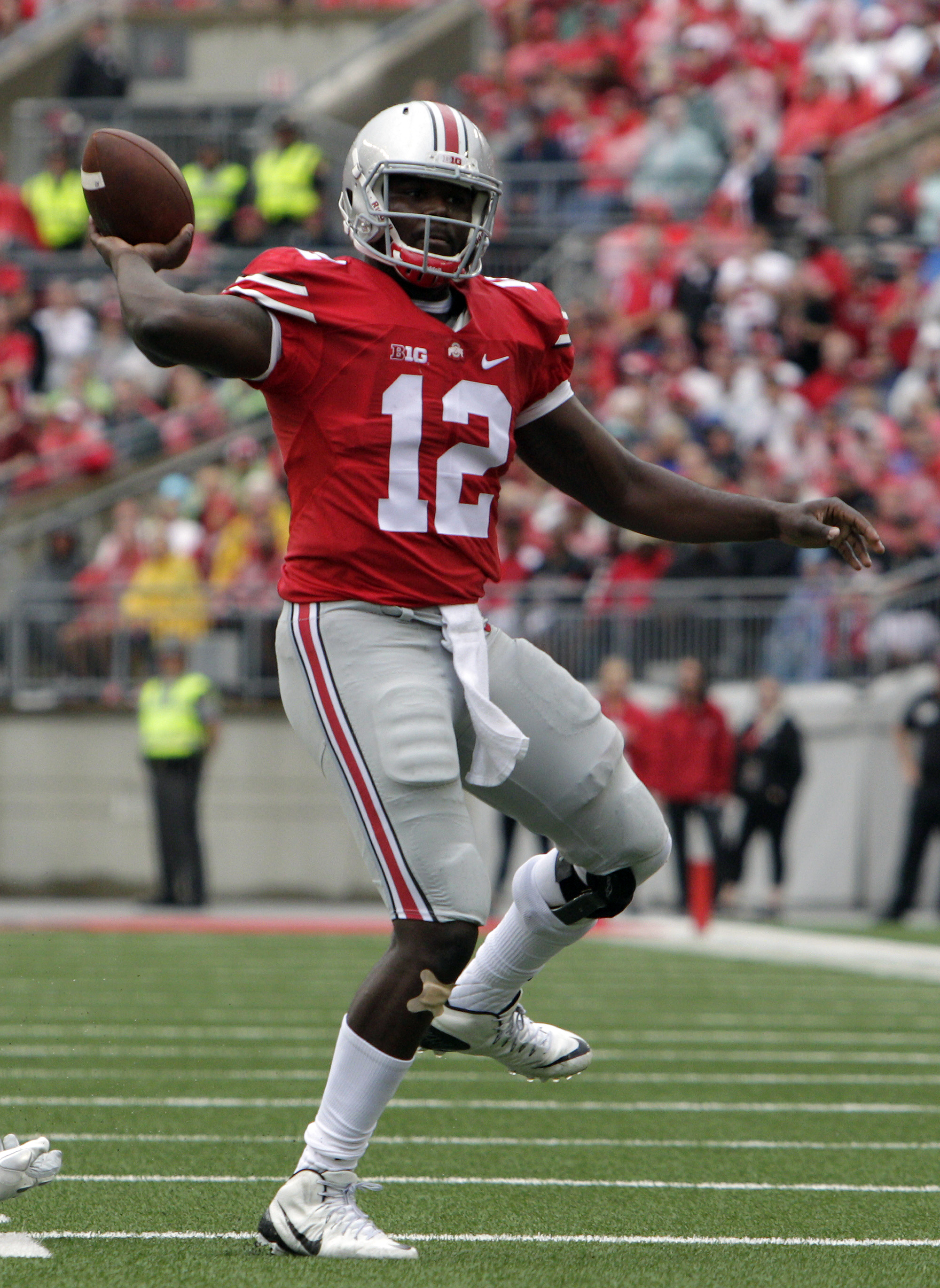 Ohio State quarterback Cardale Jones throws a apss against Northern Illinois during the first quarter of an NCAA college football game Saturday, Sept. 19, 2015, in Columbus, Ohio. (AP Photo/Jay LaPrete)