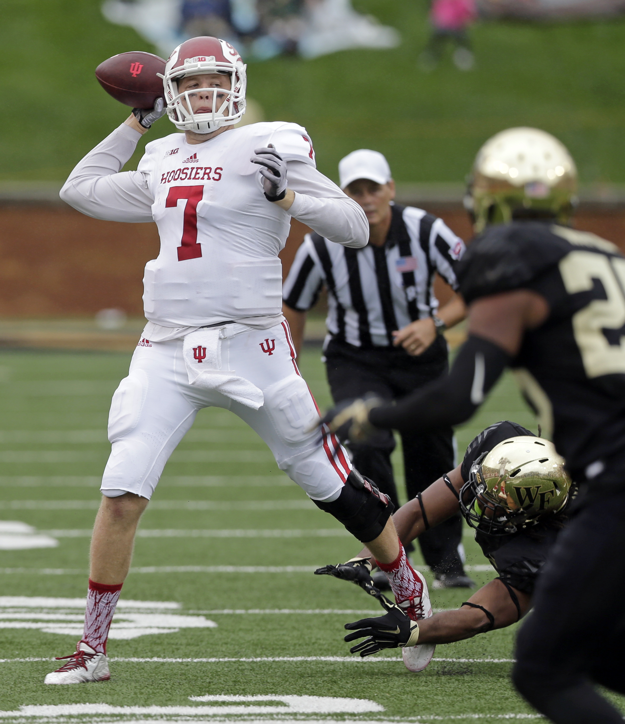 Indiana's Nate Sudfeld (7) looks to pass against Wake Forest during the first half of an NCAA college football game in Winston-Salem, N.C., Saturday, Sept. 26, 2015. (AP Photo/Chuck Burton)