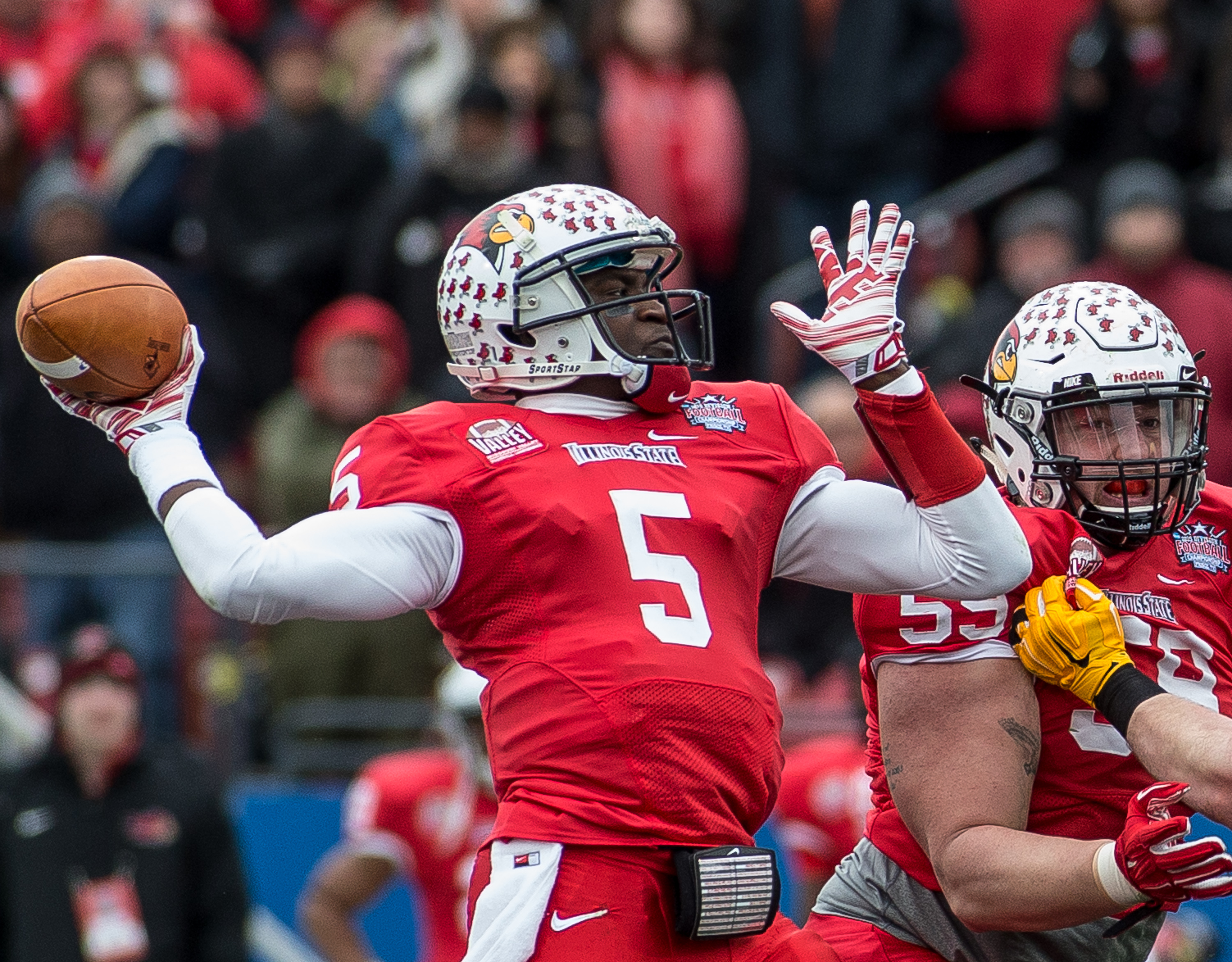DALLAS, TX - JANUARY 10: North Dakota State University and Illinois State University compete for the 2015 NCAA FCS Football Championship at Toyota Stadium in Frisco on Jan. 10, 2015 in Frisco TX. Photo by Matt Garnett / Rick Yeatts Photography