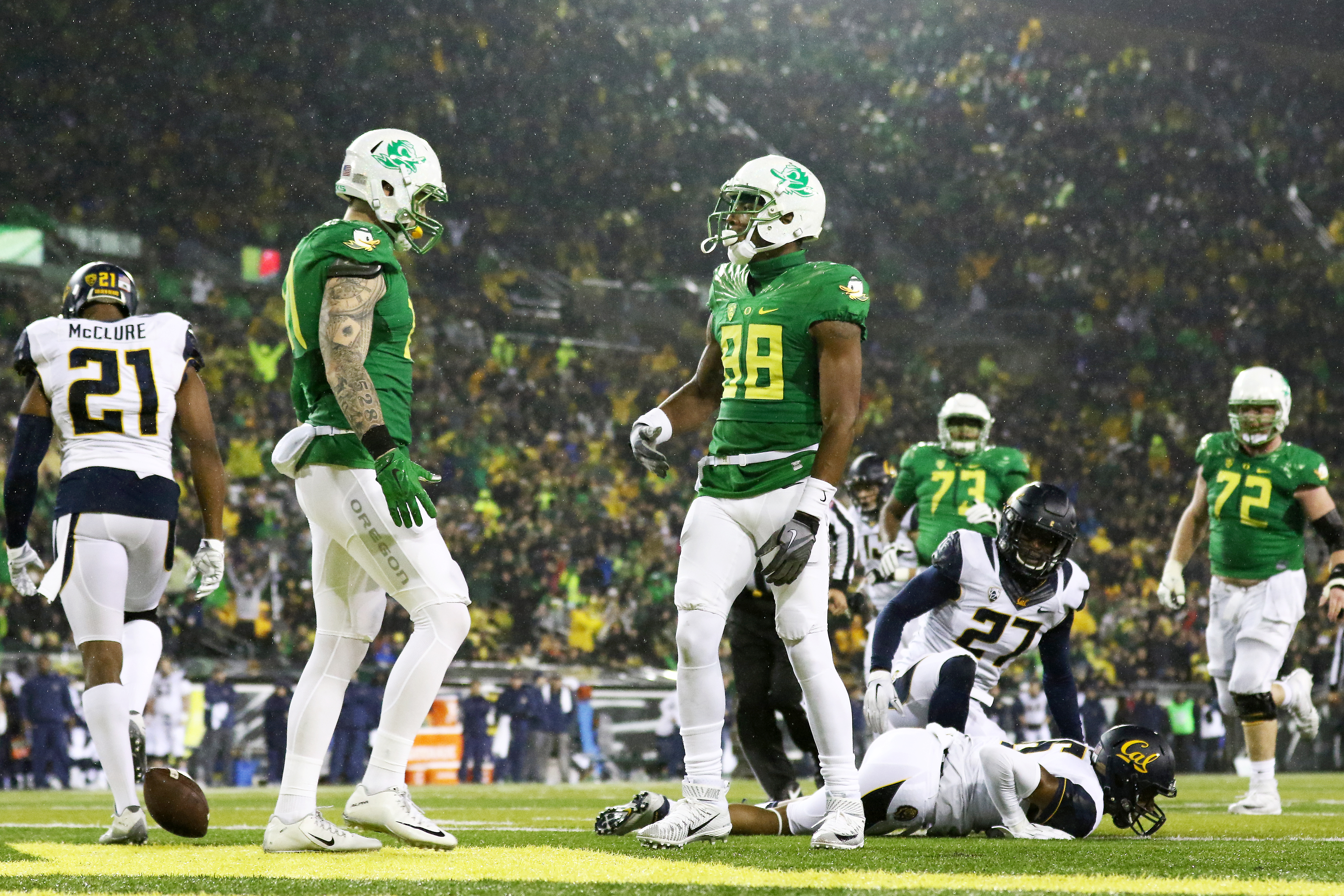 Oregon wide receiver Dwayne Stanford (88) looks to the crowd after scoring a touchdown during the first half of an NCAA college football game against California, Saturday, Nov. 7, 2015, in Eugene, Ore. (AP Photo/Ryan Kang)